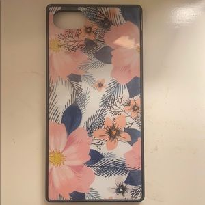 iPhone 8 case and pop socket
